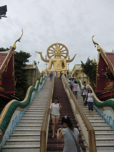 Big Buddha von unten