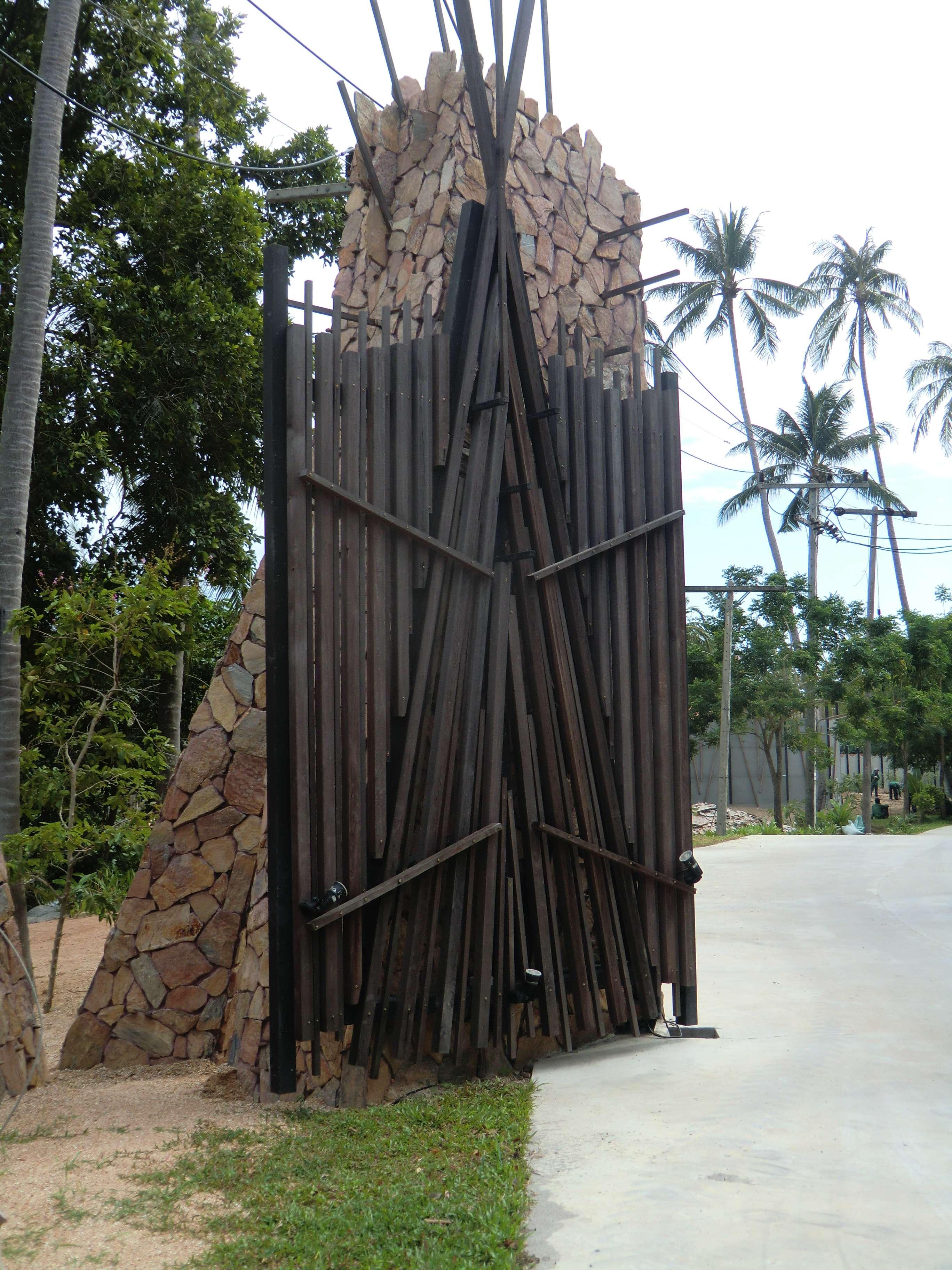 sieht aus ein Tor eines Fort's