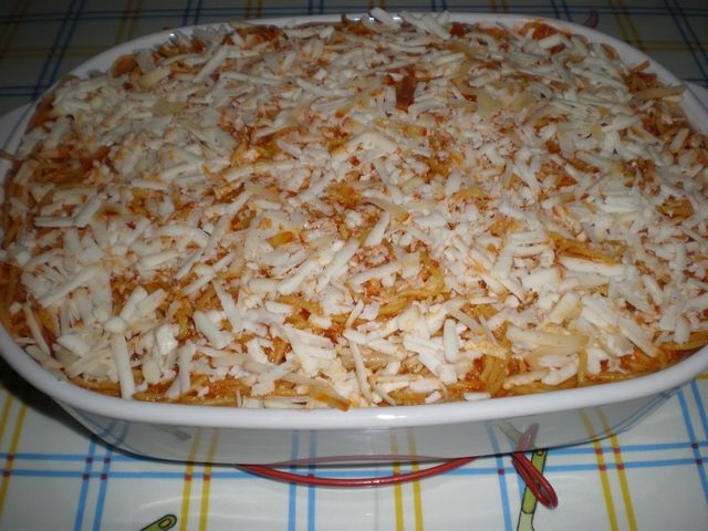 Espaguetis tapados con queso de cabra